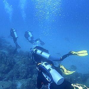 fundives-inmersiones-nocturno-11 poseidon dive center padi