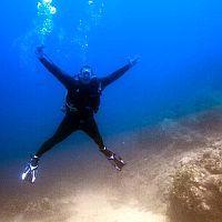 fundives-nightdives-colombiaPoseidon Dive Center PADI