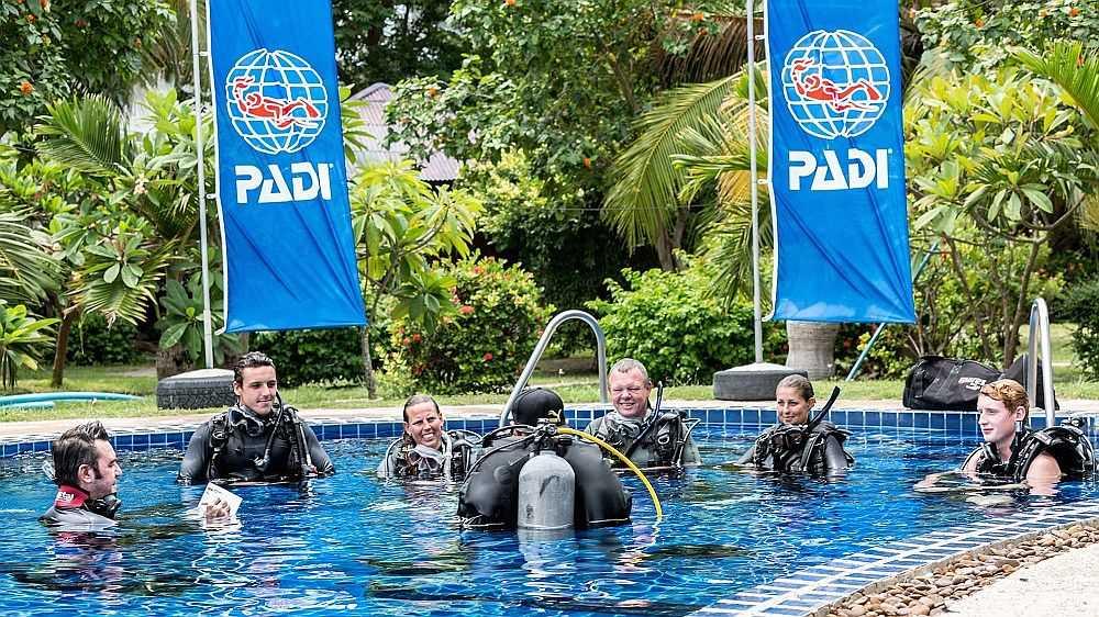 Header-Professional-PADI-IDC-PADI-Cursos-profesionales-Professioneler-PADI-IDC-poseidon-dive-center