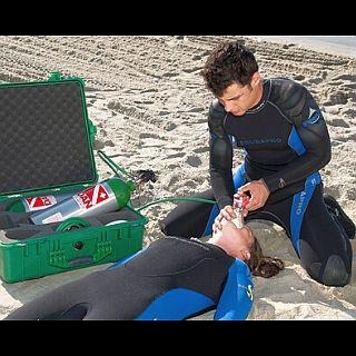 Oyxgen-Medico-Primeros-Auxillios-Buceo-Medical-First-Aid-Diving- Medizin-Erste-Hilfe-Tauchen-poseidon-dive-center-padi